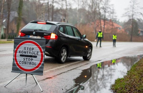 Policija paaiškino, ką reiškia atlaisvintas judėjimas žiedinėse savivaldybėse: kur ir kam vykti galima be ribojimų?