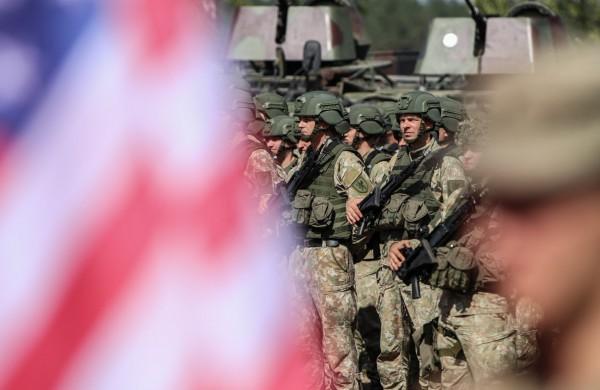Lietuvos žmonės pasitiki Lietuvos kariuomene, ypač teigiamai vertina  NATO sąjungininkų buvimą Lietuvoje