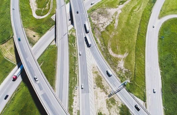 LAKD: Elektroninė (atstuminė) kelių apmokestinimo sistema – socialiai teisingesnis ir proporcingesnis mokestis