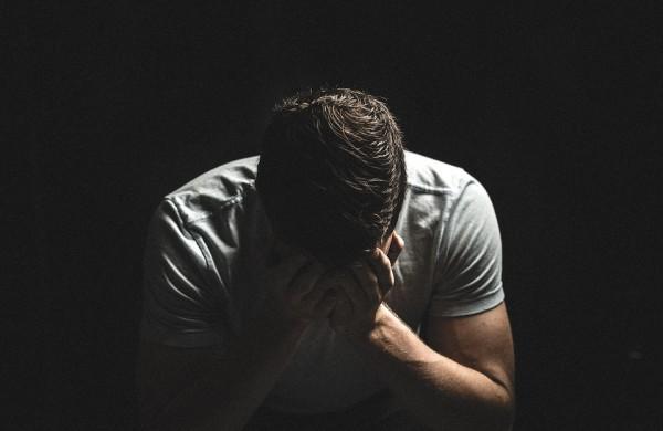 Ministerija remia psichologinės ir emocinės pagalbos telefonu teikimą vyrams