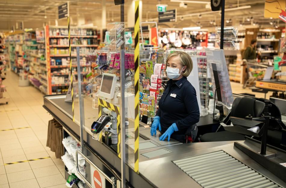 """""""Maxima"""" pradeda prevencinį darbuotojų tikrinimą greitaisiais COVID-19 testais"""