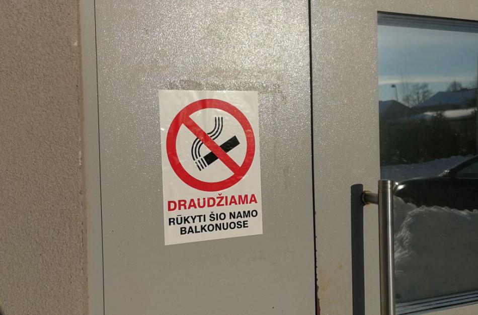Ar jonaviečiai jau skundžia rūkančius kaimynus?