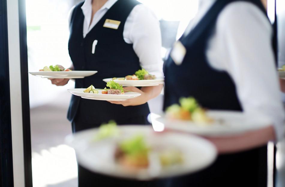 Užimtumo tarnyboje klientų skaičius iš viešbučių ir maitinimo paslaugų augo dvigubai