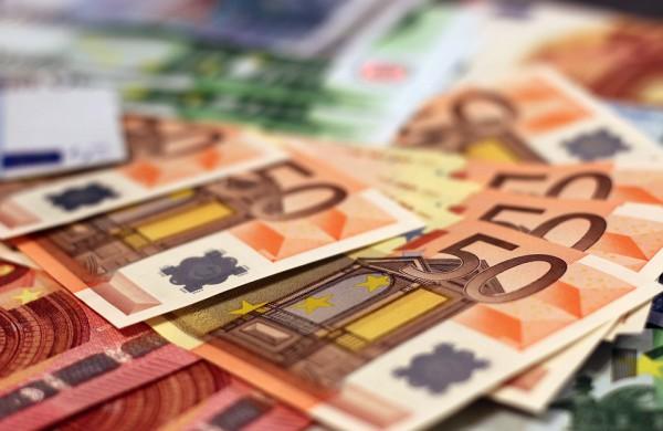 Šiemet darbdavius už prastovose esančius darbuotojus jau pasiekė beveik 100 mln. eurų parama