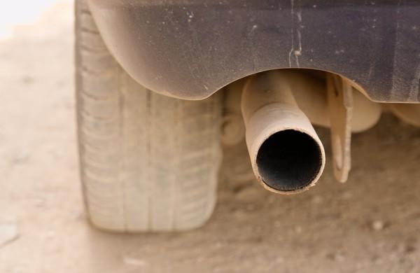 Seimas pritarė E. Sabučio siūlymui automobilių taršos mokestį įskaityti tiesiai į savivaldybių biudžetus