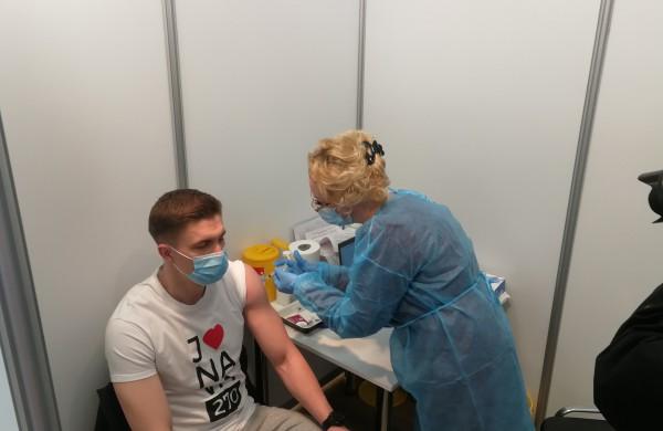 Rajono vadovų skiepijimas nebuvo balandžio 1-osios pokštas: pasidalino, kokius simptomus pajautė po vakcinavimo