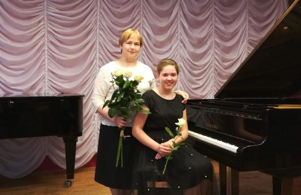 """Ne vieną dešimtmetį jonaviečių muzikalumą ugdanti pedagogė R. Balienė: ,,Mūsų mieste užaugo ir tebeauga ne viena talentinga asmenybė"""""""