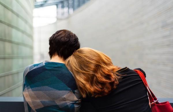 Psichologė pataria, kaip kalbėtis su vaiku apie jam artimo žmogaus savižudybę