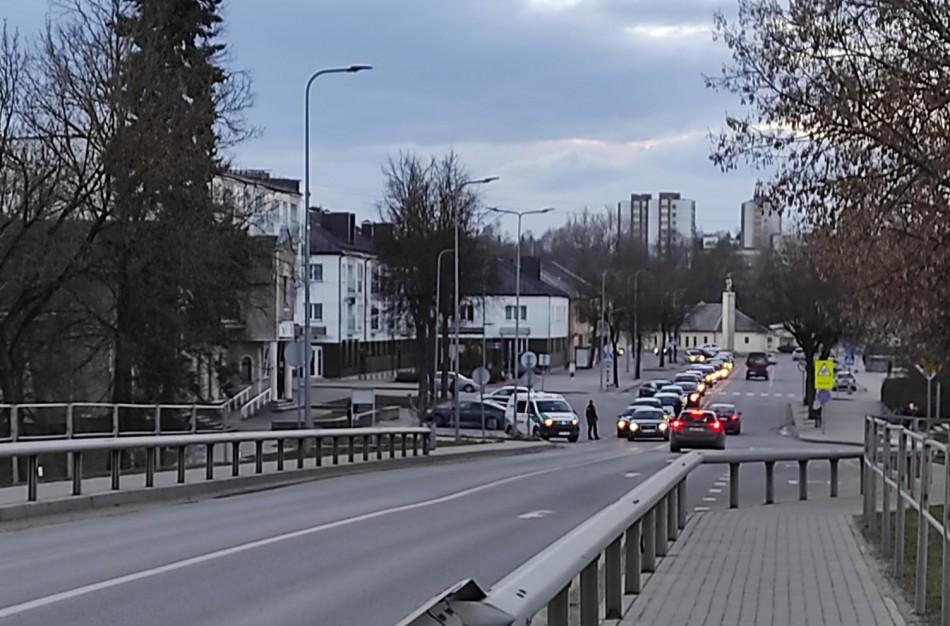 Jonavoje – policijos šturmas: slaptos operacijos metu gaudytas pabėgęs kaltinamasis