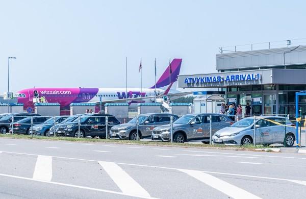 Geros žinios keliaujantiems: startuoja COVID-19 testavimo paslaugos greta Palangos oro uosto
