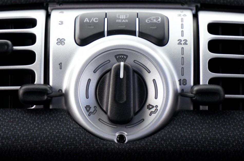 Automobilių oro kondicionierių pildymui – 3 mėn. garantija