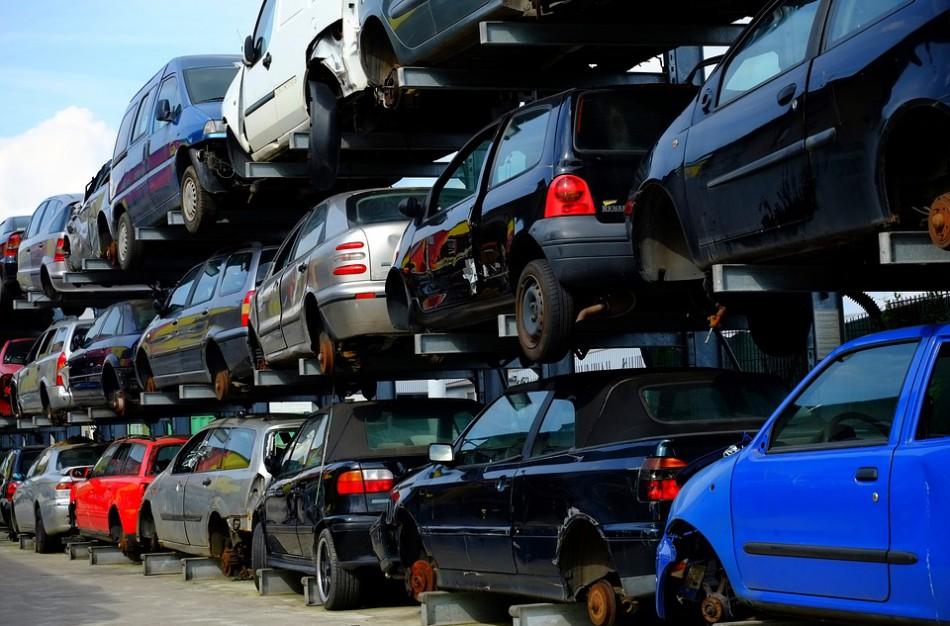 Naudotų automobilių pardavėjų triukai - kaip į sukčiavimo schemas įtraukiami sąžiningi pirkėjai