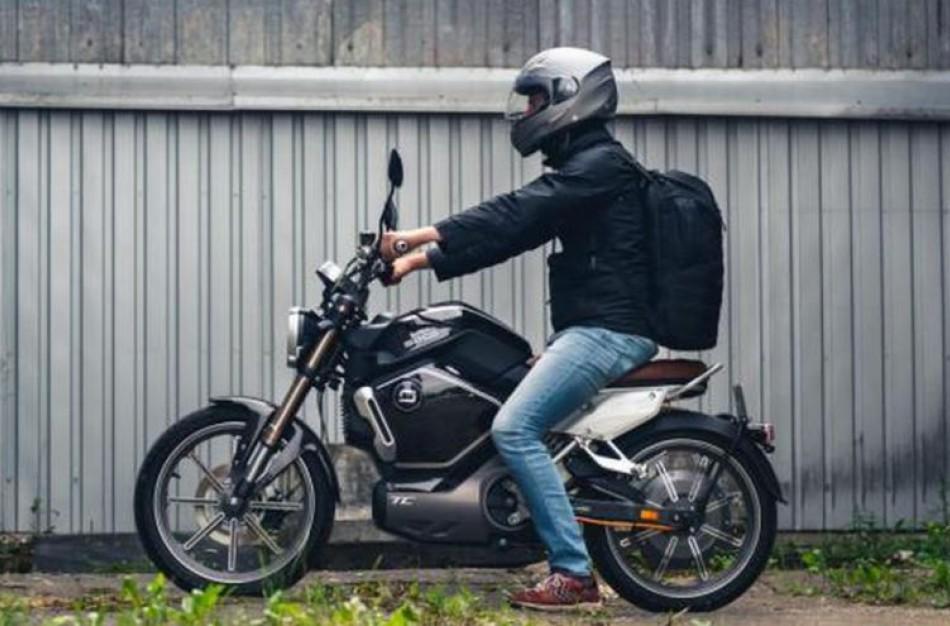 Už 1000 eurų kompensaciją sunaikinus taršų automobilį bus galima įsigyti ir el. motorolerį arba el. motociklą