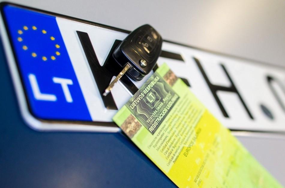 Kaip nuo gegužės 1 d. atrodys iš užsienio įvežto automobilio įsigijimas ir registracija?