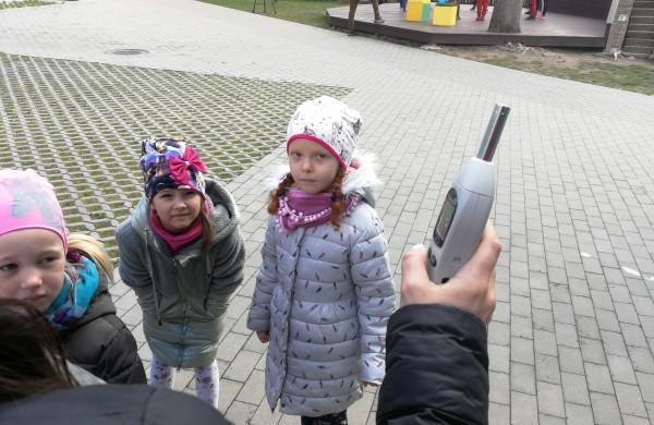 Minint triukšmo dieną - žaidimai ir pamokėlės tyloje
