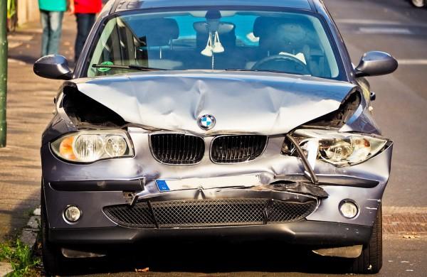 Stiprinama eksploatuoti netinkamų ar ardymui skirtų importuojamų automobilių kontrolė