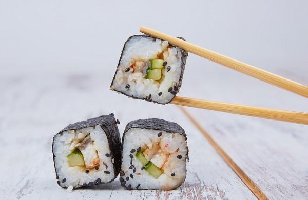 Kaip saugiai pagaminti sušius, kad vakarienė nesibaigtų pablogėjusia savijauta