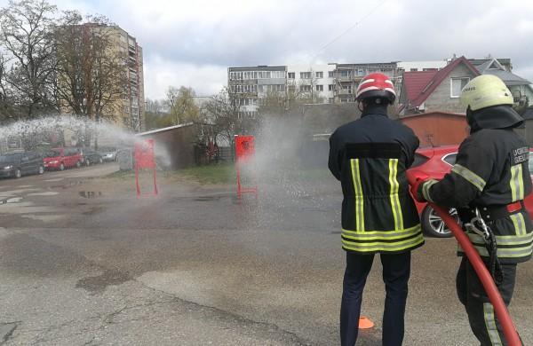 Jonavos ugniagesiai gelbėtojai mini Šv. Florijono – ugniagesių globėjo dieną