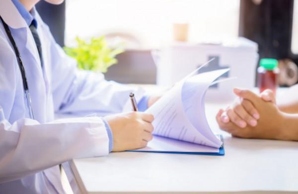 Medicininės reabilitacijos siunčiamiems pacientams nebereikės atlikti COVID-19 testo