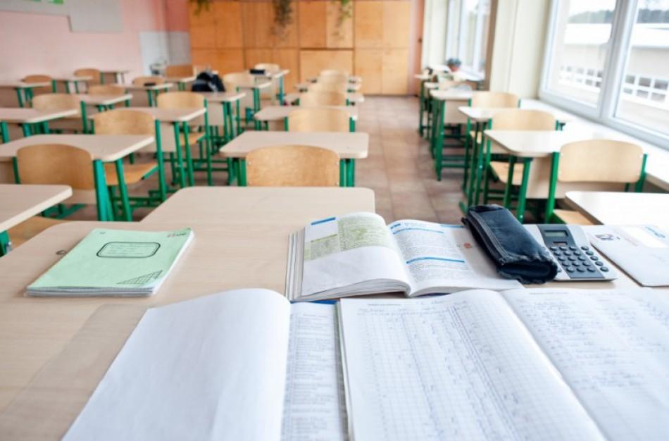 J. Šiugždinienė: prašau savivaldybių ir mokyklų persvarstyti sprendimus nesugrąžinti 5-11 klasių mokinių į klases