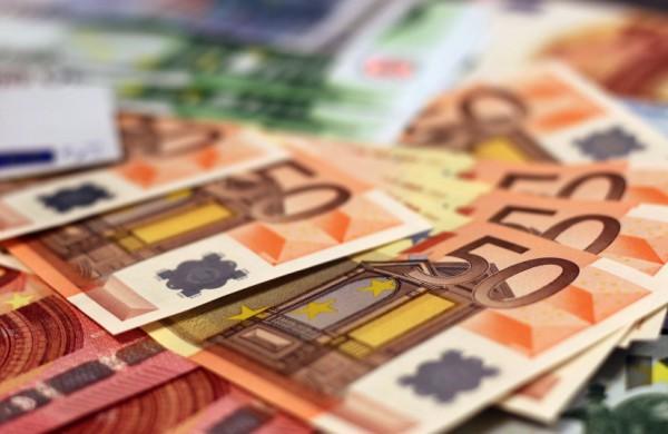 Seimas svarstys Respublikos Prezidento siūlymą NPD didinti iki 450 eurų