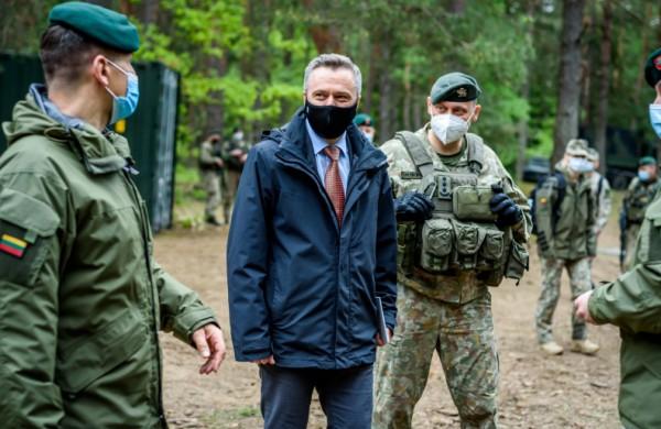 """Krašto apsaugos viceministras V. Semeška: """"NATO pajėgos Lietuvoje prisideda prie taikos užtikrinimo ir užkerta kelią agresijai"""""""