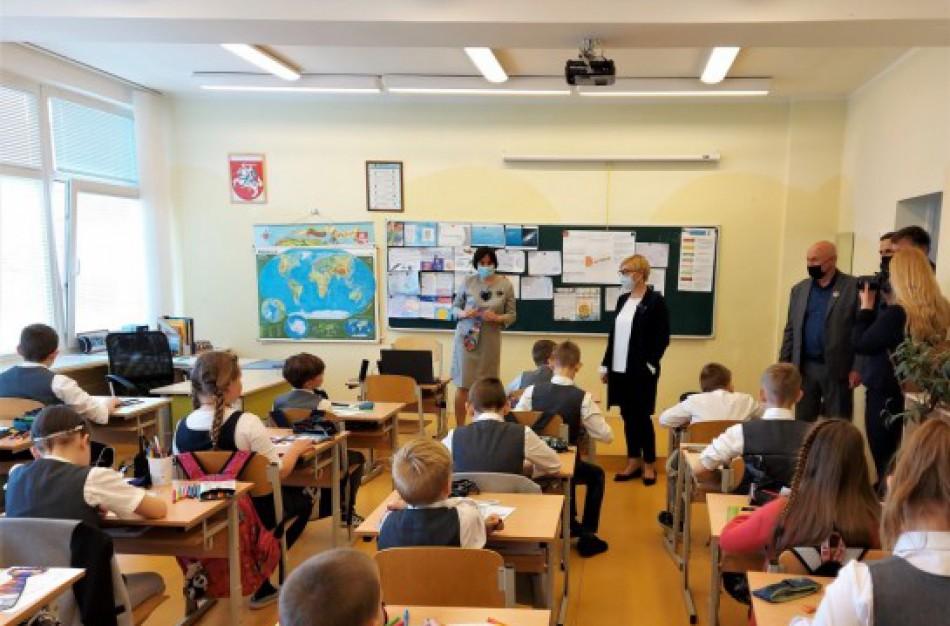 J. Šiugždinienė: ieškome ilgalaikių pagalbos mokiniams ir mokytojams priemonių