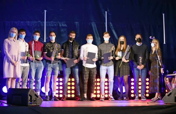 2021 m. Jonavos kūno kultūros ir sporto centrą baigė 34 absolventai
