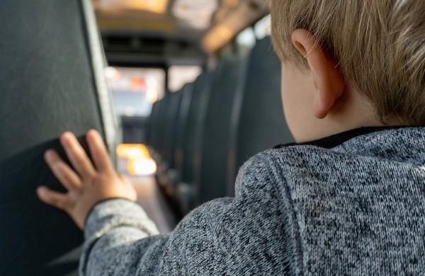 Neįgaliųjų teisių komisija: mokykliniai autobusai turi būti pritaikyti turintiems judėjimo negalią