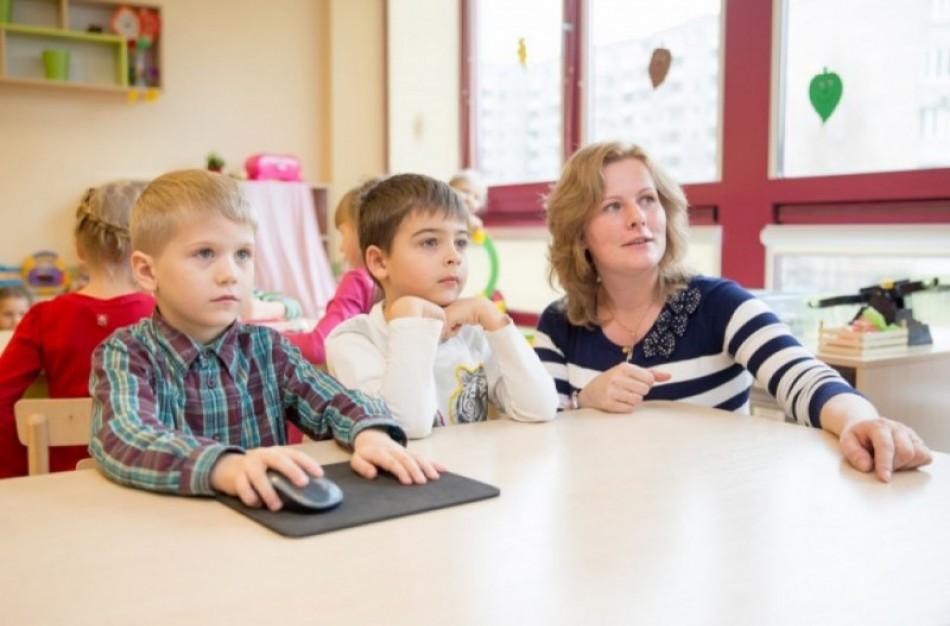 Nuo rugsėjo daugiau kaip penktadaliu siūloma didinti švietimo pagalbos specialistų atlyginimus