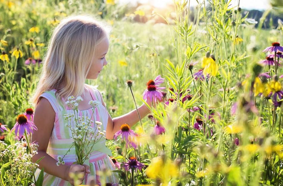 Prasideda mokinių vasaros atostogos: ką svarbu žinoti apie ligos išmoką nesergančio vaiko priežiūrai?
