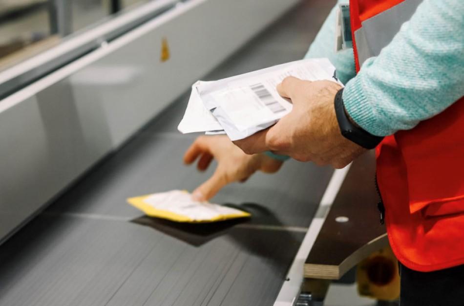 Lietuvos paštas pristatė naują siuntų iš trečiųjų šalių tvarką: deklaruotinų siuntų skaičius išaugs daugiau kaip 100 kartų
