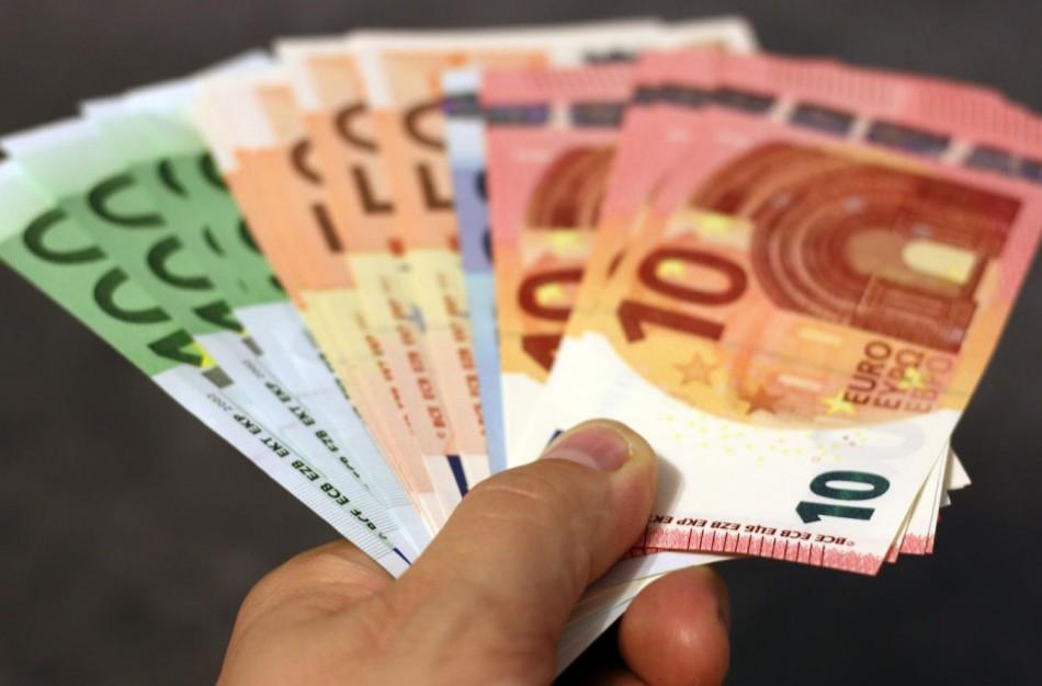 FNTT: neapskaitytų grynųjų pinigų naudojimo mastai stulbina