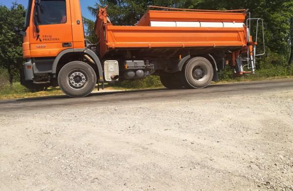 Kelių priežiūra: Nuo karščio prakaituoja ne tik žmonės, bet ir asfaltas