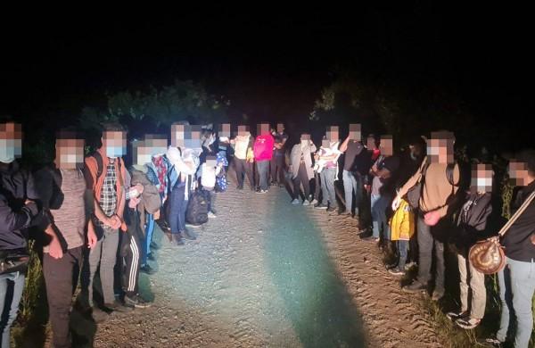 Į Lietuvą bandančių patekti migrantų srautas neslūgsta, nelydimi nepilnamečiai perkeliami į Ruklą
