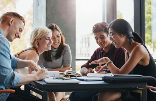 NTAKD: Dirbantys studentai dažniau turi žalingų įpročių nei nedirbantys
