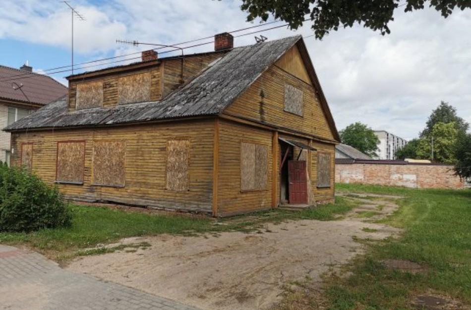 Paneriuose ketinama griauti seną, medinį namą ir statyti naują vienbutį