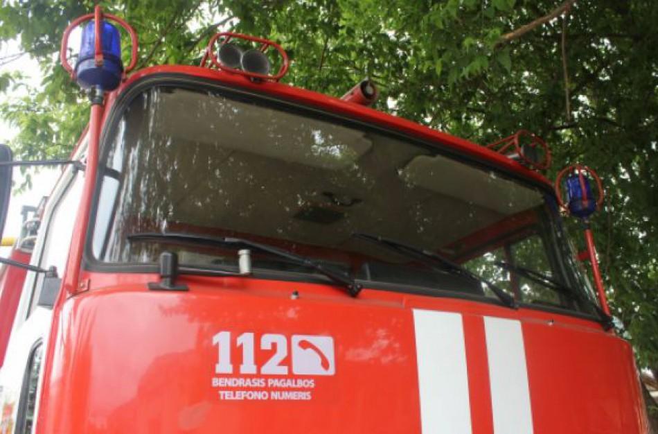 Gaižiūnuose per pratybas padegus sunkvežimį teko kviesti ugniagesius