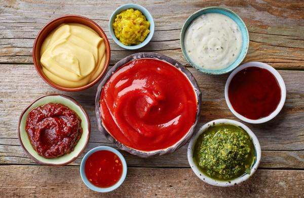 Išbandykite dabar: 3 naminių padažų receptai, kurie išgelbės bet kokią kulinarinę nesėkmę