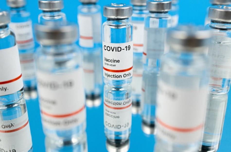 COVID-19 liga persirgę gyventojai galės būti skiepijami dviem vakcinos dozėmis