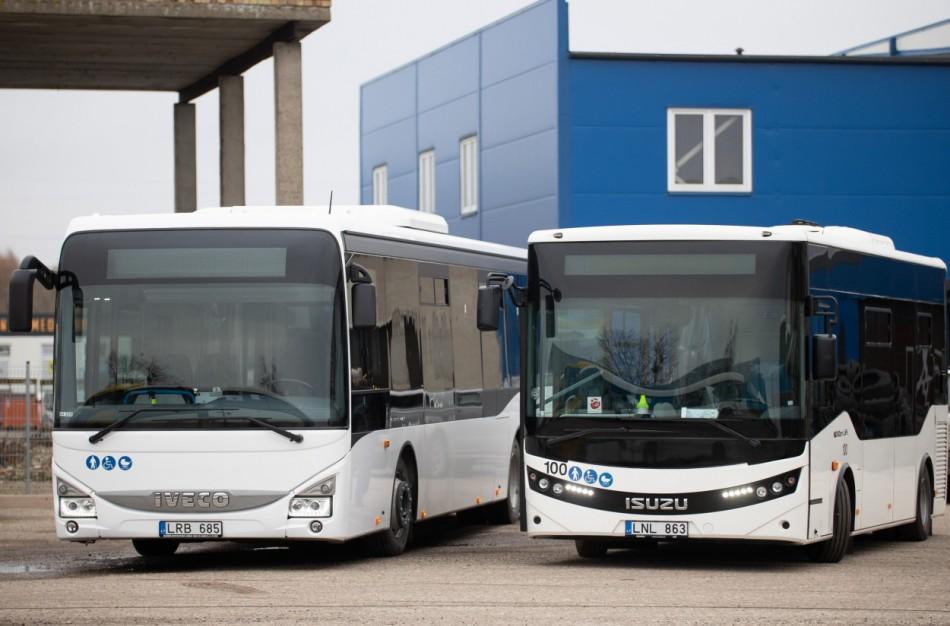 """Skaitytojai piktinantis neatsakingais autobusų keleiviais, UAB ,,Jonavos autobusai"""" sutinka, kad įvardyta problema - tikrai aktuali"""