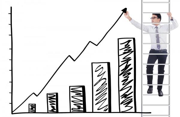 Į darbo rinką sugrįžta daugiau ilgalaikių bedarbių