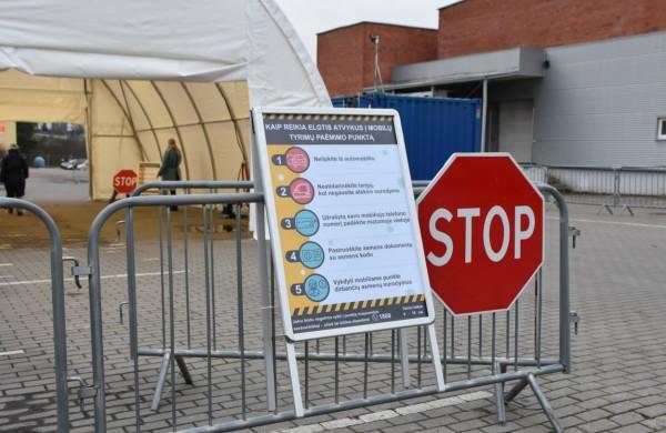 Privalomo COVID-19 testavimo dalyje šalies punktų tenka laukti ir kelias dienas: kokia situacija Jonavoje?