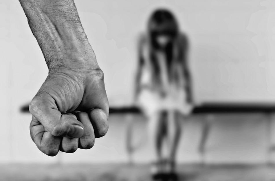 Kaip kalbėtis su vaikais ir paaugliais apie seksualinės prievartos pavojus?
