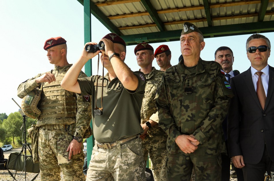 """Krašto apsaugos viceministras V. Semeška: """"Stiprinamas Ukrainos kariuomenės sąveikumas su NATO sąjungininkais"""""""