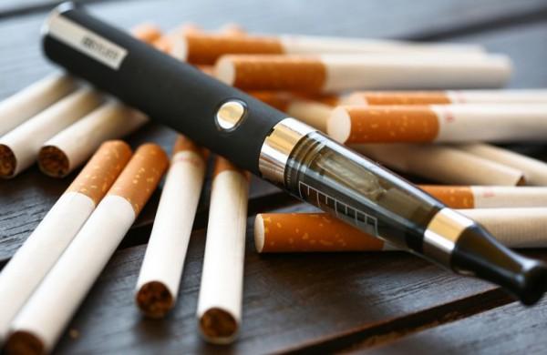 Cigarečių dūmai gali įsigerti ir per odą: kaip apsaugoti vaikus nuo pasyvaus rūkymo?