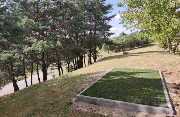 Jonavoje įrenginėjant diskgolfo parką, šios sporto šakos entuziastai jau vadina ją diskgolfo sostine
