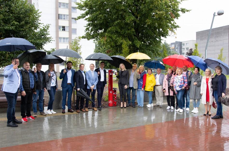 Jonavos socialdemokratai įteikė miestui dovaną