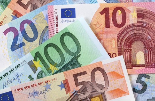 Medikų atlyginimų priedams už birželį pervesta 9,7 mln. eurų