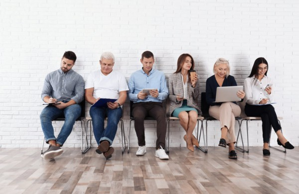 Užimtumo tarnyba: daugėja leidimų įdarbinti užsieniečius